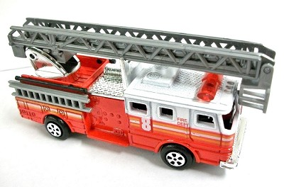 Red Fire Engine Ladder Truck Die Cast Metal Collectible Pencil Sharpener Design 1