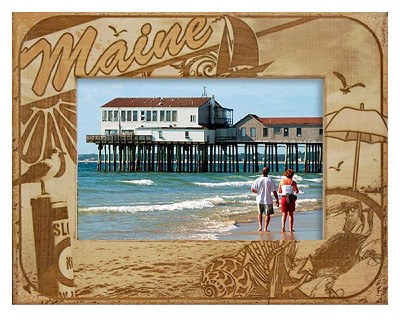 Maine with Seashell Laser Engraved Wood Picture Frame (5 x 7)
